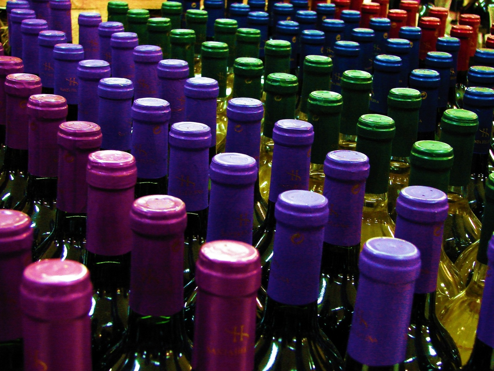bottles-of-wine-1426492-1600x1200